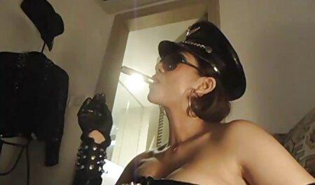 Sensual videos adultos amadores Ébano lésbicas massagem e lambendo uns aos outros