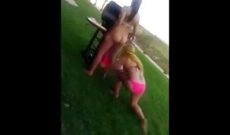 Pikaper ad, uma jovem loira para uma adultos pornografia foda depravada em casa