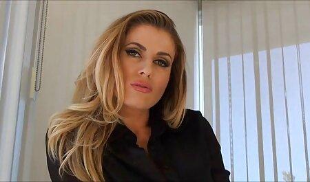 Modelo pornô confia video adulto porno em pessoas para foder no cu