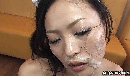 Dois videos adultos net modelos pornográficos Bunda Grande seduz um cara em um brutal