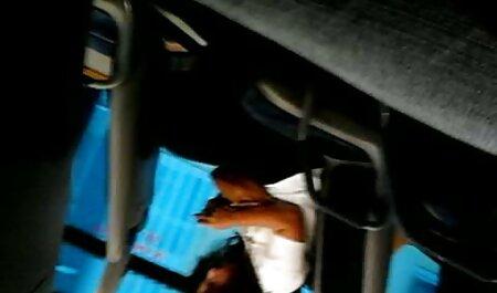 Um pau de um cara não acordado estão nas mãos de uma menina ruiva videos adultos brasileirinhas e ela puxou phang phang afastado.