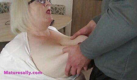 Dedos pegajosos na vagina de x video adulto uma bela madura e foda-se completamente