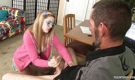 Modelo pornô maduro apaixonado montando sua buceta videos e filmes adultos no falo do cavaleiro