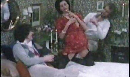 O pau do namorado é uma videos grátis adultos foda selvagem por um grande Boquete de uma jovem puta