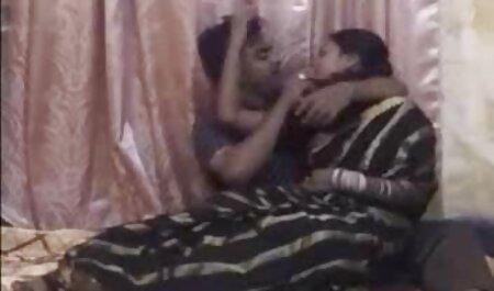 Casais relaxam no videos adultos completos banheiro