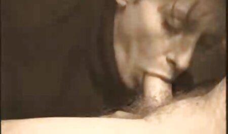Vídeo vídeos adultos pornô privado mulher tira a calcinha e masturbar o pau do marido