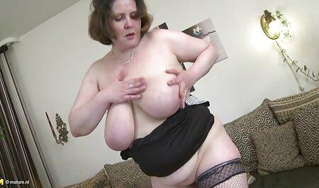 Puta loira madura pronta para testar seu pau em diferentes videos adultos famosas posições