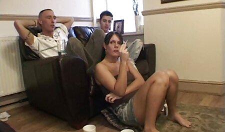 Viajantes maduros videos eroticos adulto depravados pegaram um distribuidor pornô com seus desejos