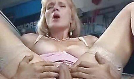 Linda amador fode na cama vidio para adultos de um casal maduro em várias posições