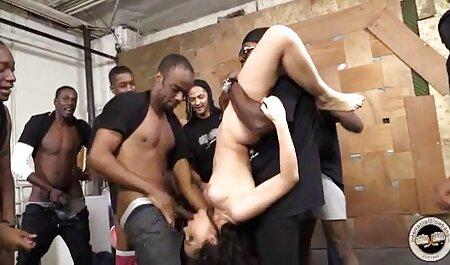 Sensual beleza recebe ambos rosa furos fodido video sexo adulto muito duro