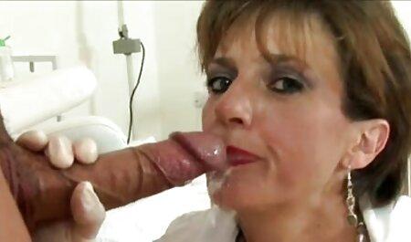 Dona de casa madura vídeos para adultos sexo pronta para levar o pau de um homem musculoso pau preto grande em sua boca