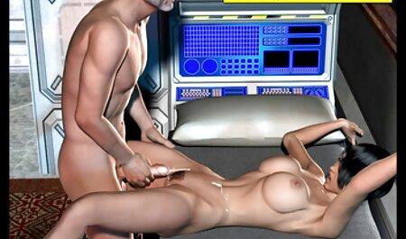 Puta bonito mostra como usar um pau vídeo de pornô para adulto de borracha na webcam