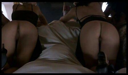 Hottie Lisa rose dá ver video adulto gratis sua bunda para diversão anal quente