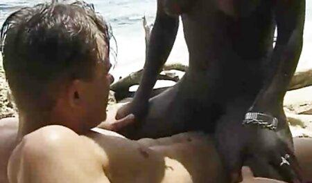 Peituda beleza em meias fodido rígido video adulto gratis através de meia-calça, anal