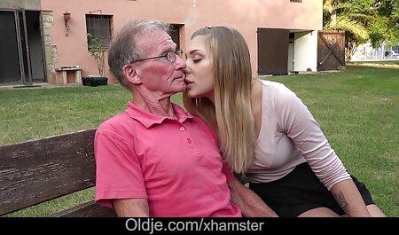 Dois Se masturbando japonês maduro desfrutar de um pau video adulto gratis duro