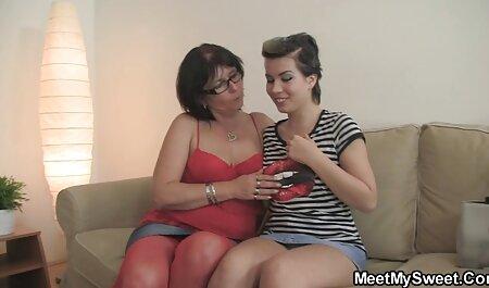 Grande tira uma jovem ruiva flertando com uma videos para adultos grátis demonstração de um l legal.
