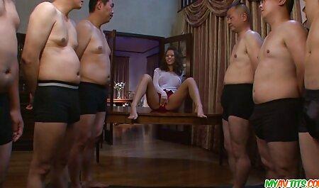 Menina japonesa Mostra peitos e peludo videos adultos on line L. ao ar livre