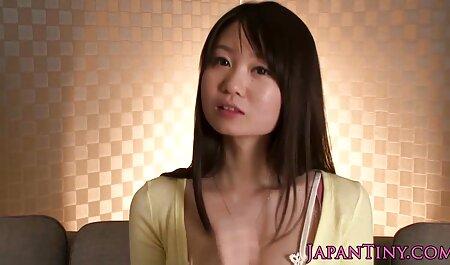 Duas lésbicas tirar a sua bela sites de videos adultos lingerie e usar vibrador no sexo